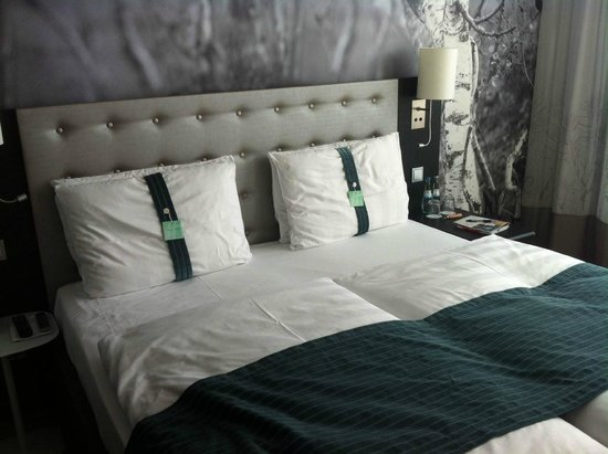 Holiday Inn Berlin Centre Alexanderplatz: very comfortable bed