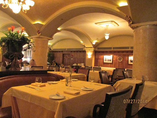 Capitol Grille: Dining room