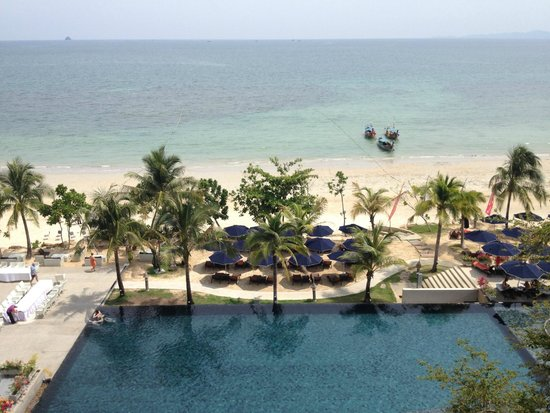 Beyond Resort Krabi: beach view from the reception