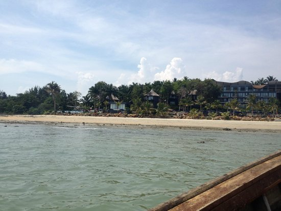 Beyond Resort Krabi: beach view from longtail boat