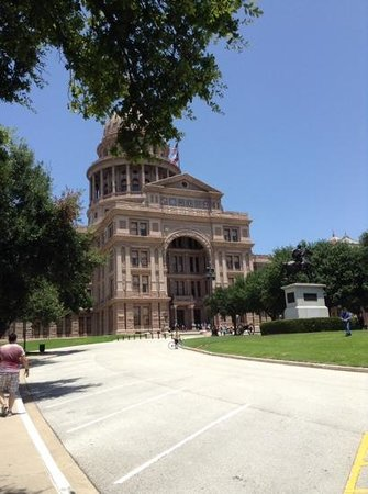 State Capitol : outside view