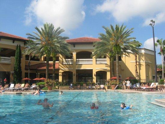 Floridays Resort Orlando: Pool area