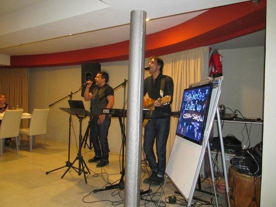 Hotel Platino Termas de Rio Hondo: Show durante la cena