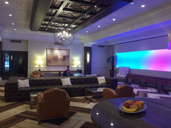 The Sam Houston, Curio Collection by Hilton: Hotel lobby and reception