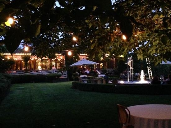 Bistro Don Giovanni: just after sundown