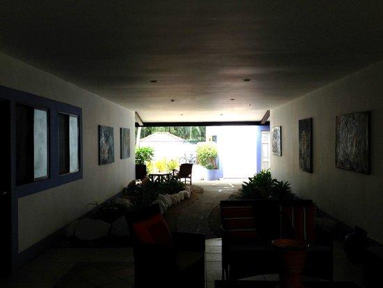 Bahia del Sol Beach Front Boutique Hotel: Room corridor