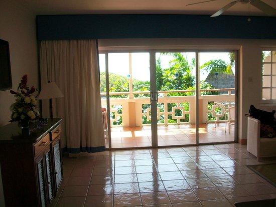 Couples Sans Souci: G-14 Living Room