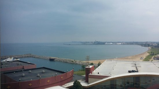 Ameristar Casino Hotel East Chicago: Lake Michigan view from room