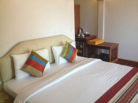 Phi Phi The Beach Resort: room