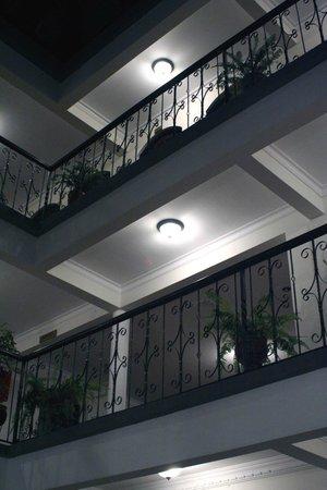 Hostal Patrimonio - Sucre: Corredores por la Noche