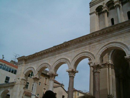 Palacio de Diocleciano: Columnas del peristilo