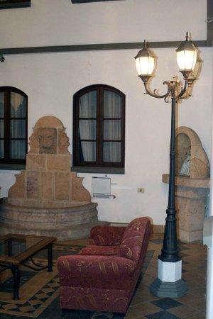 Hostal Patrimonio - Sucre: Pilon Colonial