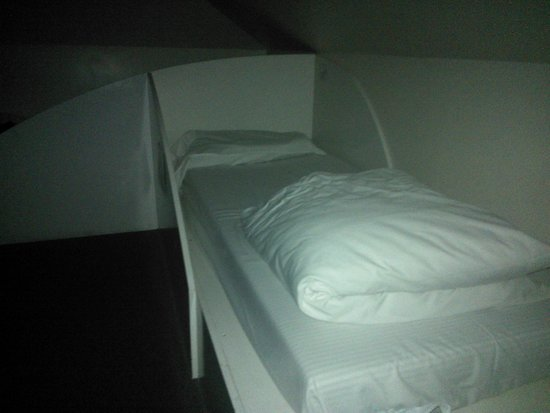 Astor Hyde Park Hostel : one of our beds