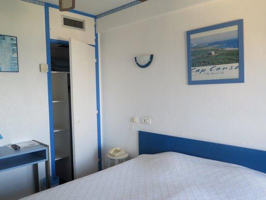Hotel Cyrnea: Chambre photo 2