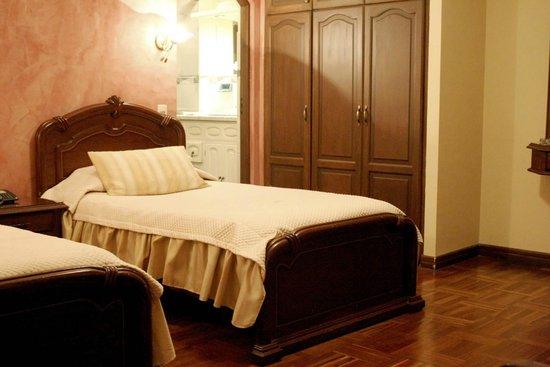 Hostal Patrimonio - Sucre: Habitacion