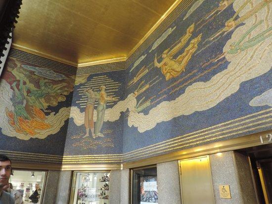 Interior do Rockefeller Center