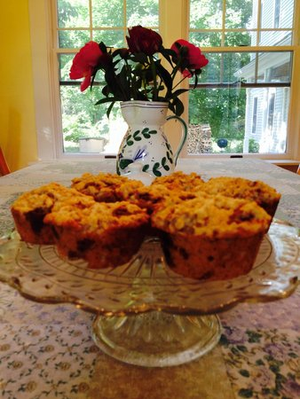 James Place Inn Bed and Breakfast : Homemade Blueberry Muffins