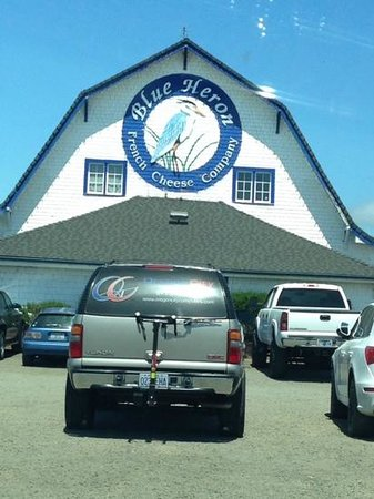 Blue Heron Cheese & Wine Company : a great sandwich spot