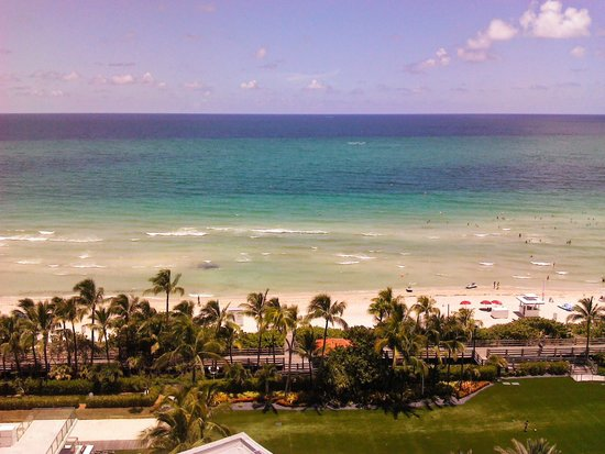 Fontainebleau Miami Beach: PLAYA