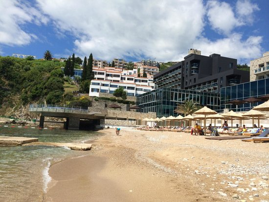 Avala Resort & Villas : view on the hotel Avala from the beach
