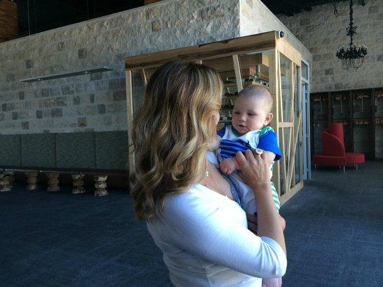Avala Resort & Villas : administrator with my baby