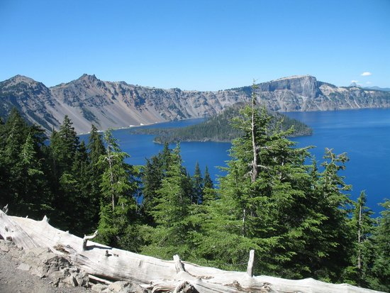 Crater Lake National Park: View of Crater Lake