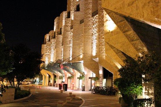 Inbal Jerusalem Hotel - The Hotel At Night