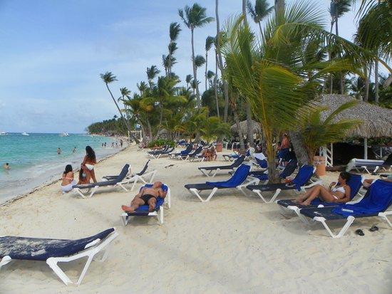 Grand Palladium Palace Resort, Spa & Casino: plage