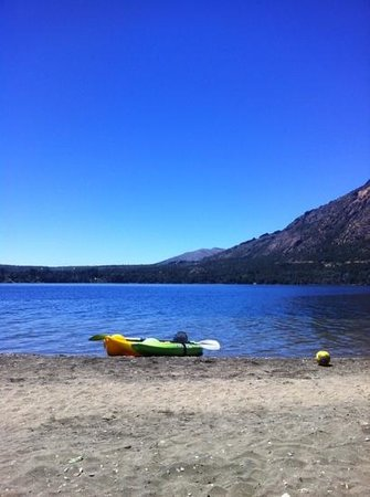 Museo del Lago Gutierrez : nuestros kayaks en el lago gutierrez