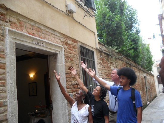 Santa Margherita Guesthouse: Chirlane McCray , Dante, Chiara and Bill de Blasio