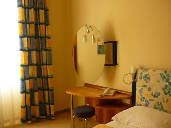 Starlight Suiten Hotel Salzgries: Dormitorio