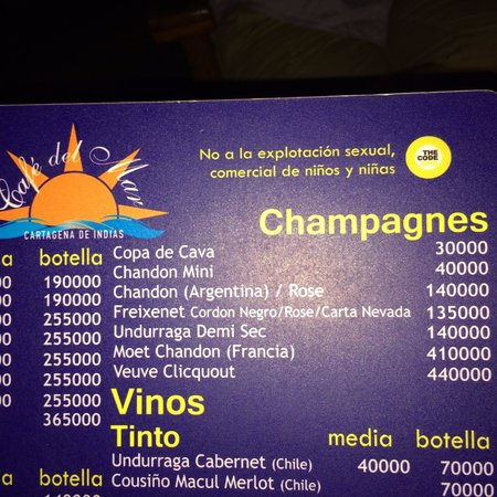 Cafe Del Mar Cartagena: Veuve ClicqOUT.... Hhahahaha