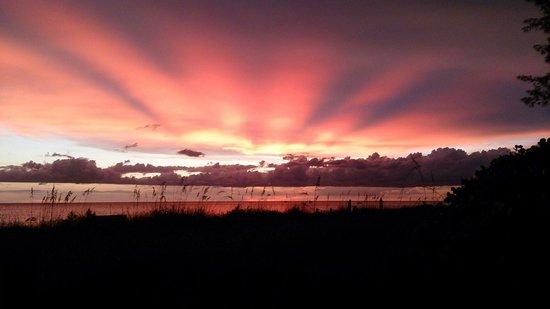 Turtle Beach: Beautiful sunsets