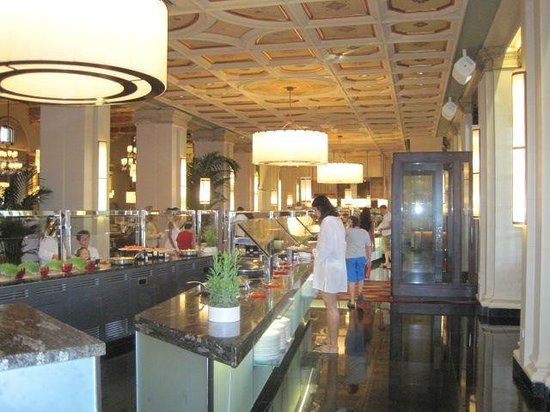 The Spa at the Breakers Palm Beach: Buffet