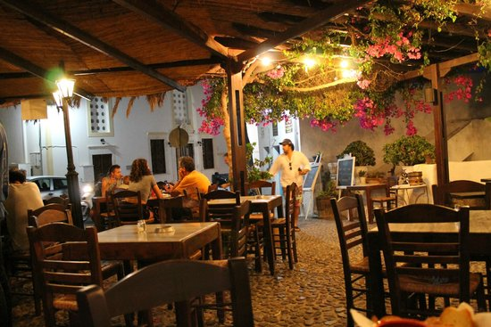 Restaurant Raki: a place to watch the world go by