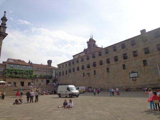 Plaza del Obradoiro: Edificações do entorno