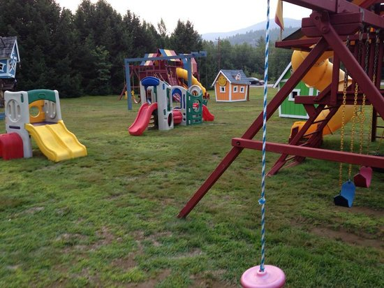 North Colony Motel and Cottages: Part of the playground
