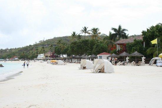 Sandals Grande Antigua Resort & Spa: Beach front
