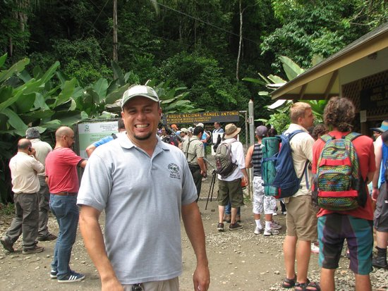 Walter's Taxi and Day Tours : Walter at Manuel Antonio