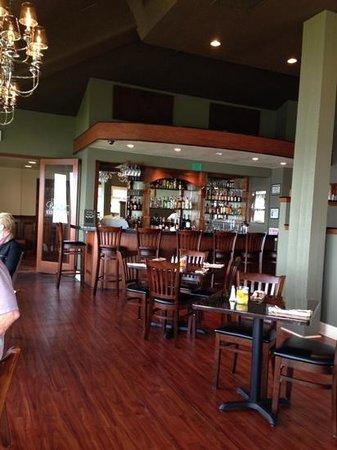 BEST WESTERN Pier Point Inn: restaurant/bar on site