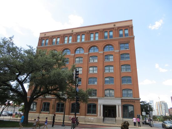 The Sixth Floor Museum/Texas School Book Depository: Sixth Floor Museum