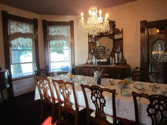 Heather House: Dining Room