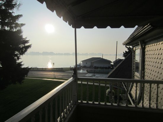 Heather House: Our private balcony overlooking St Clair River