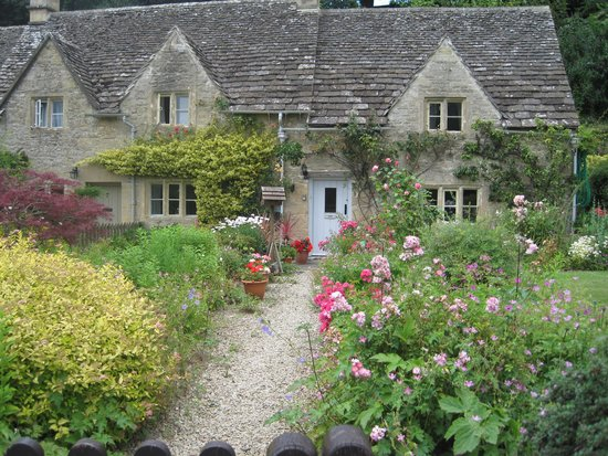 Cotswold Tours by Fowler Tours: Beautiful Cotswold