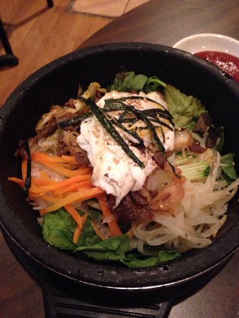 Kaya Korean Restaurant: Bibimbap in a stone pot. Sooo delicious!