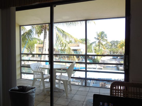 Key West Inn - Key Largo: Looking out