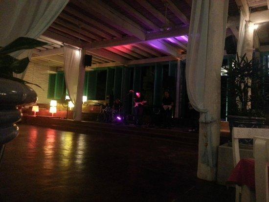 Ocean Breeze Riviera Maya Hotel: Show no restaurante