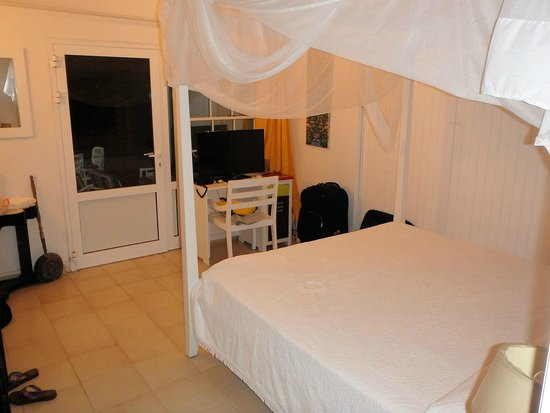 Hôtel Frégate Bleue : bedroom