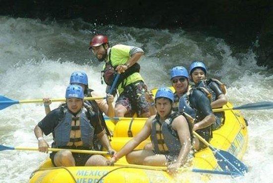 Mexico Verde Resort de Aventura: los chicos en el Raftting