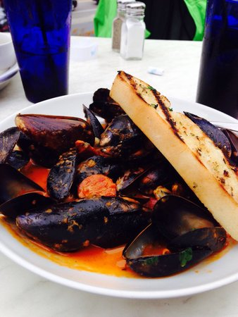 Tia's Topside: Mussels